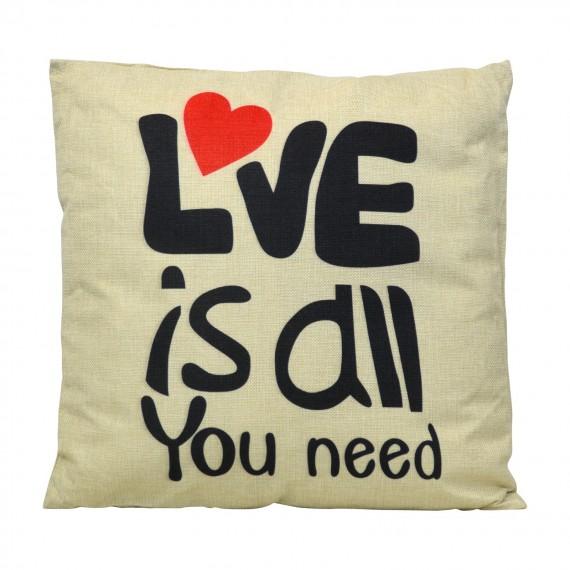 Cojín Love is All