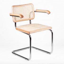 Replica della sedia Cesca con braccioli del designer Marcel Breuer